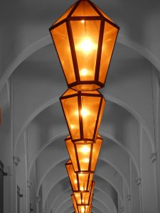 lanterns-111003_640